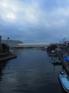 海老川 東関東自動車道と