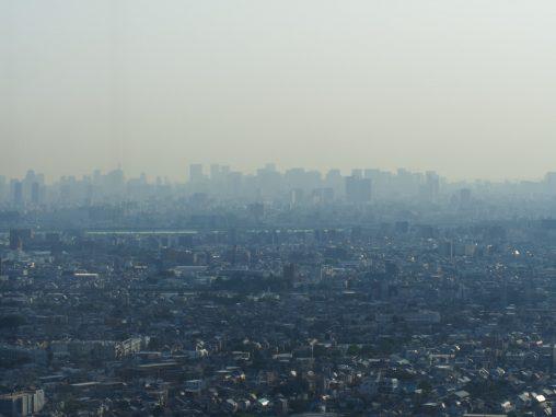 東京方面 かすんでいる