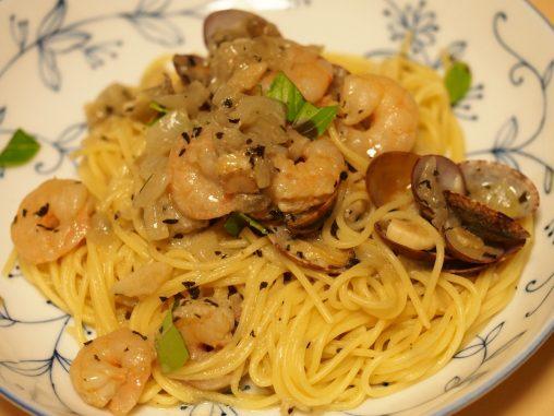 アサリとエビとヨーグルトのスパゲッティ