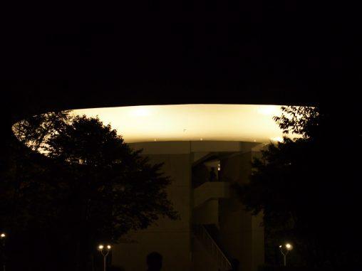 光る展望台