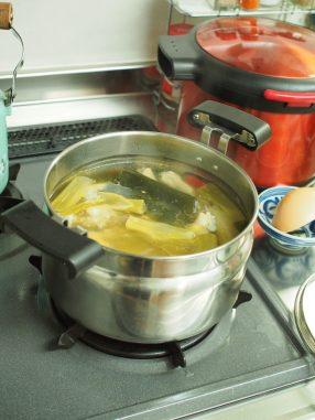 おなじみ手羽元のスープ