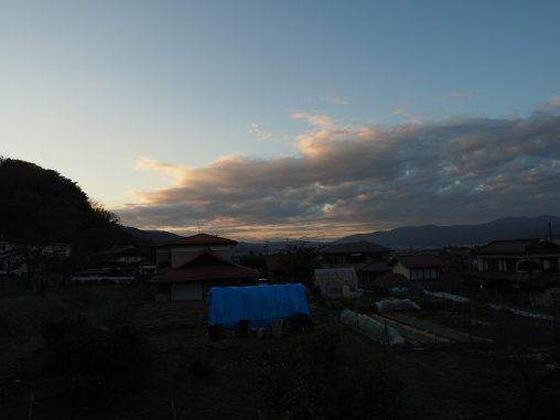 夕暮れ 諏訪の町