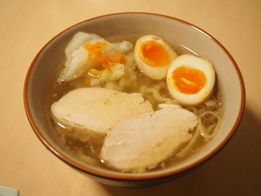 鶏塩ラーメン