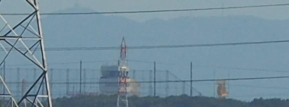 海上自衛隊の管制塔とレーダー塔